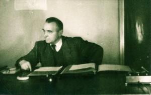 Janusz Baurski dyrektor naczelny Fabloku w swym gabinecie